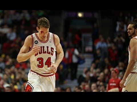 Video: Mike Dunleavy Jr Leaves it All on the Court