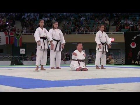 Pokaz karate w wykonaniu niepełnosprawnego chłopca - SZACUNEK !!