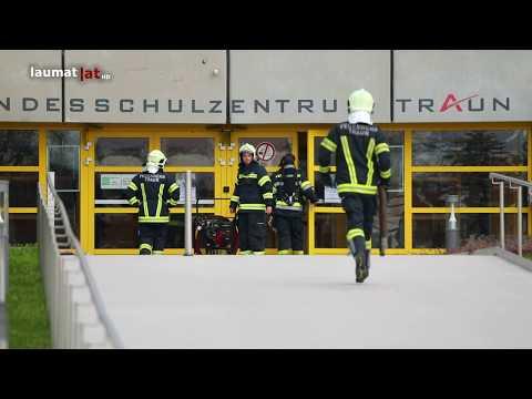Einsatz nach Gasaustritt in einem Schulzentrum in Traun