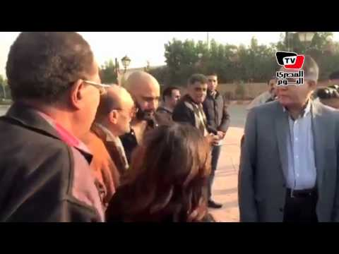 «أشرف زكي والصريطي» في جنازة زوجة الفنان محمد صبحي