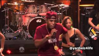 B.o.B vídeo clip Ray Bands (On Jay Leno) (Live)