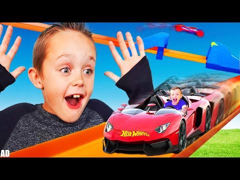 Jack Shrinks to Race His Giant Hot Wheels Track with Triple Loop Kit! Kids Fun TV!