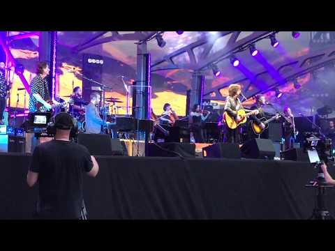 Xanadu    Jeff Lynne's ELO   Wembley 2017  *LIVE* FRONT ROW  *4K HD*