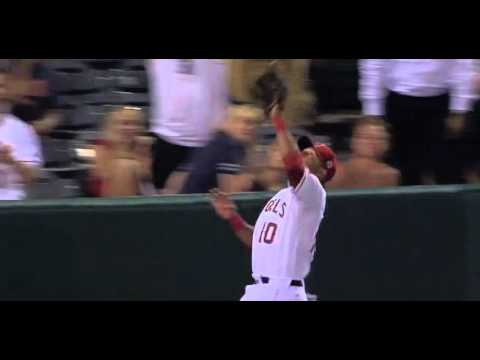 Vernon Wells' Great chase down