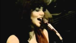 Adorable Linda Ronstadt Could Sing Like a Bird