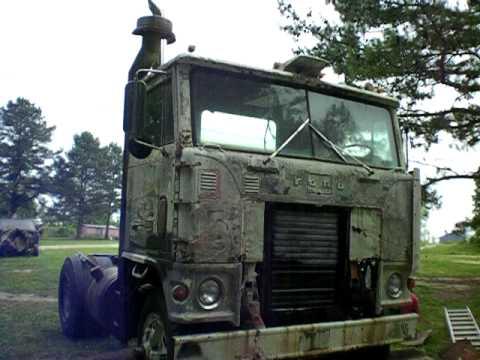 Ford WT9000 Trucks