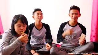 Download Video RIZKY RIDHO MAKAN BARENG KELUARGA BESAR LESTI MP3 3GP MP4