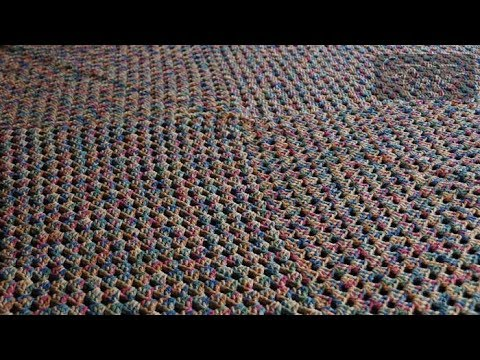 granny spirale - In this video, you will learn how to making a continuous granny square using 1 strand. My secret is that I never slip stitch when doing each round. I circle ...