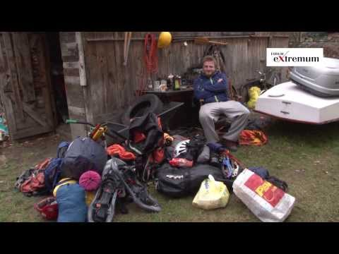 nanga - Krótki reportaż przedstawiający pakowanie i wyjazd teamu Nanga Dream na zimową wyprawę na Nanga Parbat 2013/14. Materiał nagrano 29.11.2013. W reportażu: Tom...