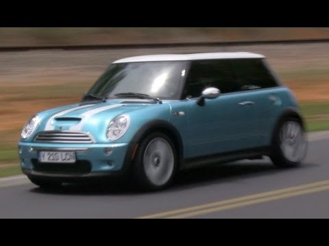 2005 Mini Cooper S (R53 6-spd) Start Up, Exhaust, Test Drive, and In Depth Review (видео)