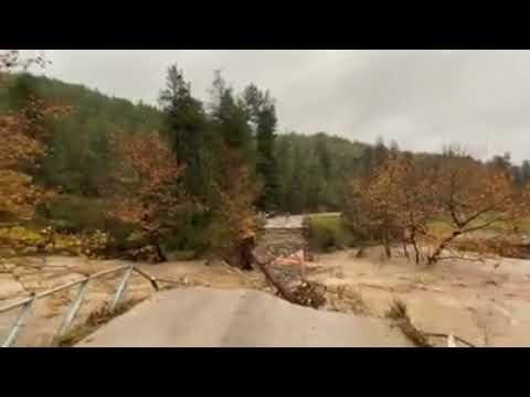 """Video - Κακοκαιρία """"Διδώ"""": Εικόνες καταστροφής στην Εύβοια - Έπεσε γέφυρα και αποκλείστηκαν χωριά"""