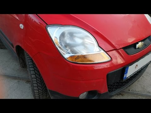 Changing bulb in front headlight for Chevrolet Spark, audio: English