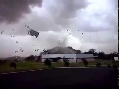 Tornado em Pérola PR  20-01-2015