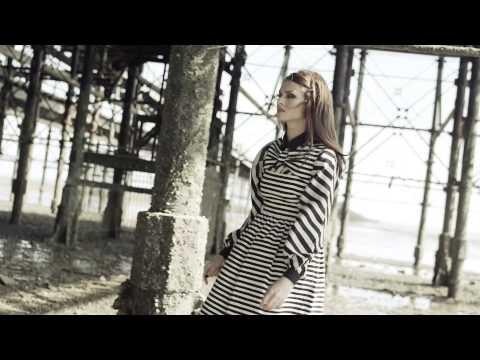 Tekst piosenki Sophie Ellis Bextor - Young Blood po polsku