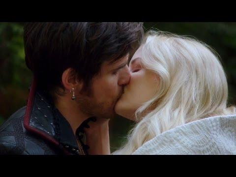 EXCLUSIVE: Hook and Emma Can't Stop Kissing in This 'Once Upon a Time' Sneak Peek!
