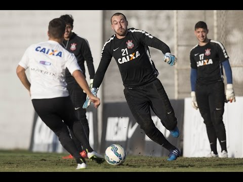 V�DEO: Sem Guerrero e Sheik, Corinthians erra bastante em treino de finaliza��es