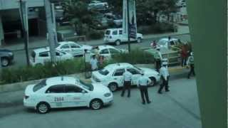 Nonton Ayala Mall Security vs Taxi Driver Film Subtitle Indonesia Streaming Movie Download