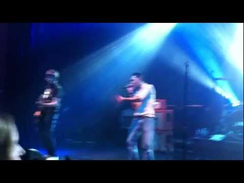 Shed Seven – On Standby – Live Shepherds Bush Empire 18th Dec 2011