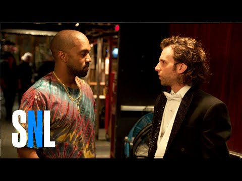 Kanye West rap battles on Saturday Night Live