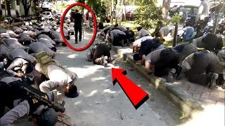 Video Berhasil Direkam!! Para Polisi ini Tiba² Bersujud Ke Tanah!! Tak Disangka ini Yang Terjadi! MP3, 3GP, MP4, WEBM, AVI, FLV April 2019
