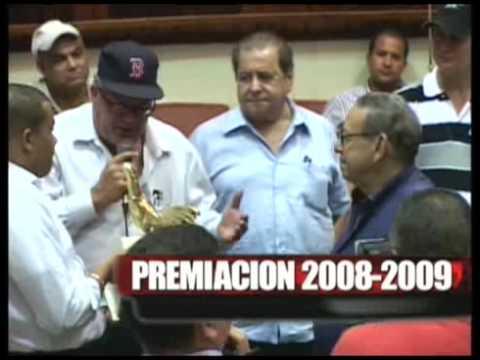 Premiación Campeones Coliseo Santo Domingo.