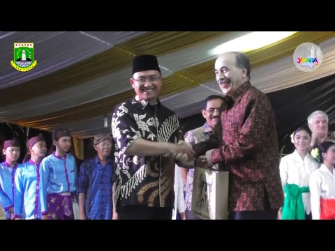"""Tari """"Geulang Kasaktenan"""" dari Provinsi Banten pada Parade Tari Nusantara TMII ke-38 tahun 2019"""