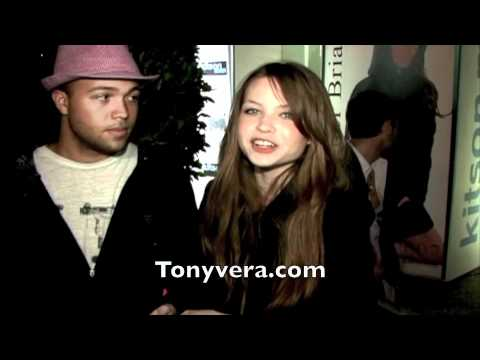 Daveigh - Big love star Daveigh Chase dates older black man.