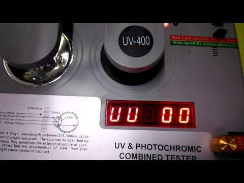 Проверка солнцезащитных очков на UV-тестере