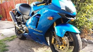 5. MY ZX12R .....A QUICK WALKROUND WITH A BIT OF THROAT FROM THE AKKY
