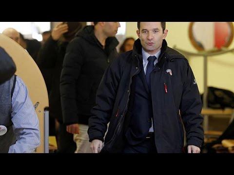 Γαλλία: Προβάδισμα του Μπενουά Αμόν για το χρίσμα των Σοσιαλιστών