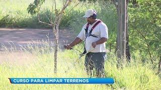 Prefeitura de Bauru capacita profissionais para limpeza de terrenos na cidade
