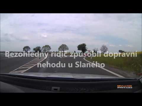 Bezohledný řidič způsobil dopravní nehodu u Slaného