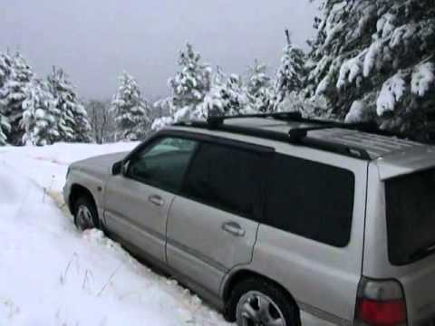 subaru forester off road in snow , forester off road in snow , foresteri tovlshi (видео)
