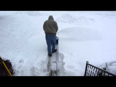 , title : 'Snow Joe Ultra SJ621 Clearing Sidewalk/Review PT.2'