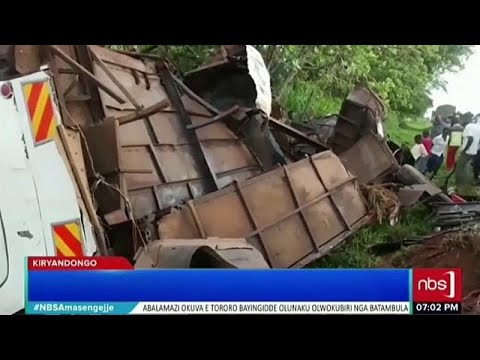 Mindestens 40 Tote bei Busunfall in Uganda