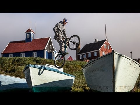 petr - Song: http://goo.gl/PTbqn During Petr Kraus' recent trip to Greenland he visited the town of Sisimiut for some urban trial riding and to get to know the youn...