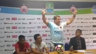 Video Robert Rene Albert Komentari Hamka Hamzah Sering Melakukan Gestur The Jakmania MP3, 3GP, MP4, WEBM, AVI, FLV Oktober 2017