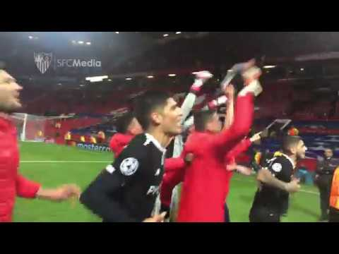 Celebración jugadores al finalizar el Manchester United - Sevilla FC 13/03/18