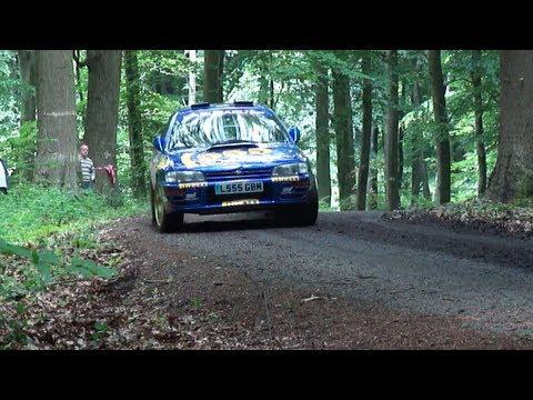 Subaru Impreza 555 - gruby dzwon w drzewa