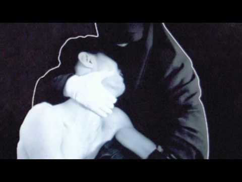 Tekst piosenki Crystal Castles - Pale Flesh po polsku