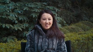 Watch how 36 year old Zhu Li manage the pressure from her parents to get married. Learn more about SK-II's #changedestiny ...