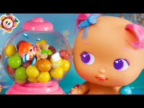 Los Bellies meten a los PINYPON y a PEPPA PIG en una máquina de chicles ! Nueva travesura de bebé