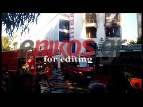 Video - Φωτιά σε εμπορικό κέντρο στο Χαλάνδρι