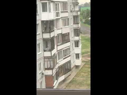 В Белокурихе мужчина выпал из окна многоэтажки