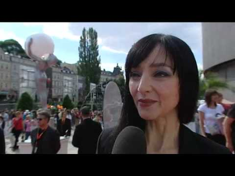 Boriboj - Portuguese actress Maria de Medeiros speaks about Hitler in Hollywood at the Karlovy Vary IFF in the Czech Republic in July 2010.