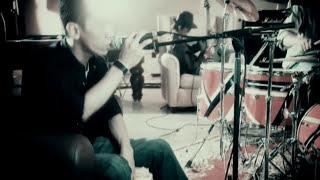 Asbak Band - Membuatmu Cinta Padaku (Official Music Video) Video