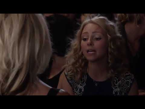 The Carrie Diaries | Carrie Meets Samantha