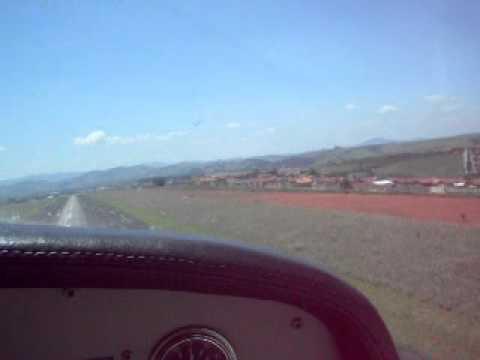 Decolando de Cessna em Pouso Alegre - SNZA