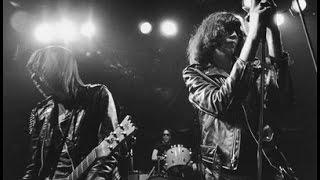 Video Ramones - Live At The Rainbow - December 31, 1977 MP3, 3GP, MP4, WEBM, AVI, FLV Agustus 2019