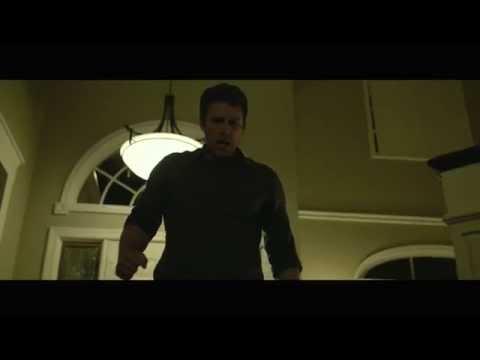 """ZAGINIONA DZIEWCZYNA (Gone Girl) - Wizjonerski thriller w reżyserii mistrza gatunku Davida Finchera, nominowanego do Oscara twórcy: """"The Social Network"""", """"Ciekawego przypadku Benjamina Buttona"""", """"Podziemnego kręgu"""", """"Gry"""" i """"Dziewczyny z tatuażem"""", ekrani"""